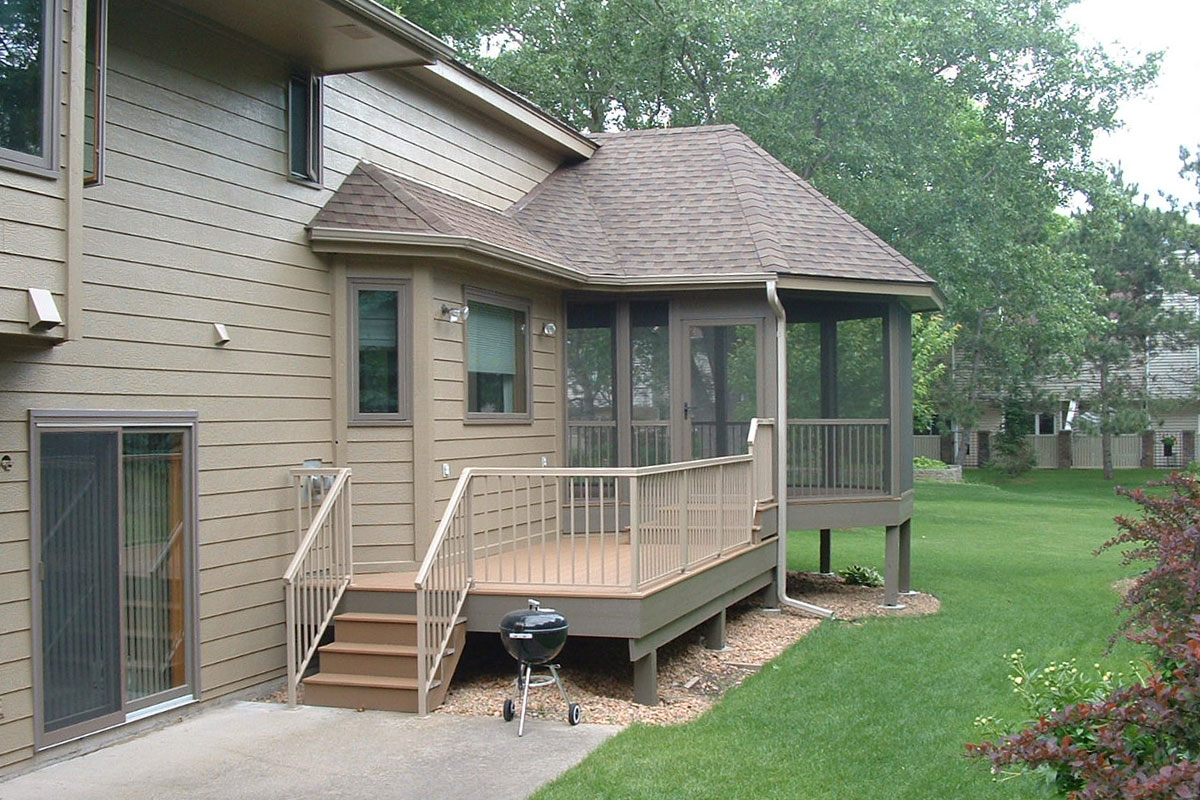 Shoreview Screen Porch Deck