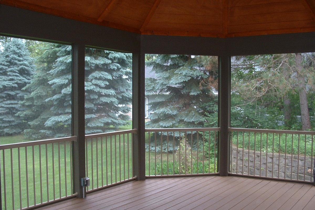Shoreview Screen Porch Interior